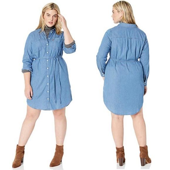 ea71c032f0 Levi s Dresses   Skirts - Levi s